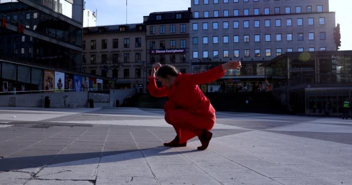 Dansare på Sergels torg ur filmen Red Alert