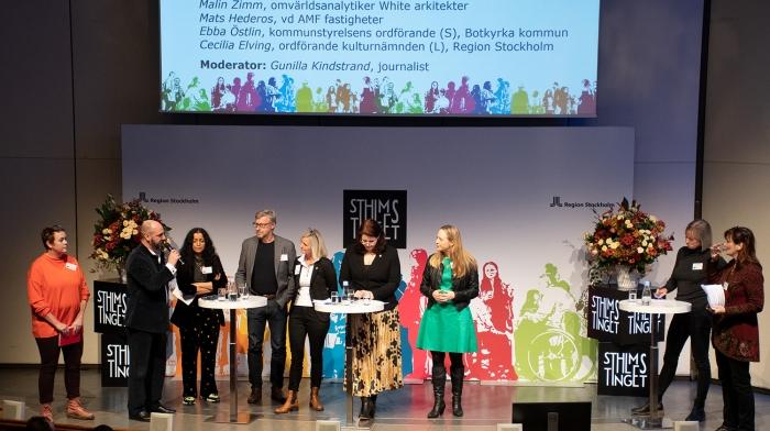 Talare på scen under Stockholmstinget 2019