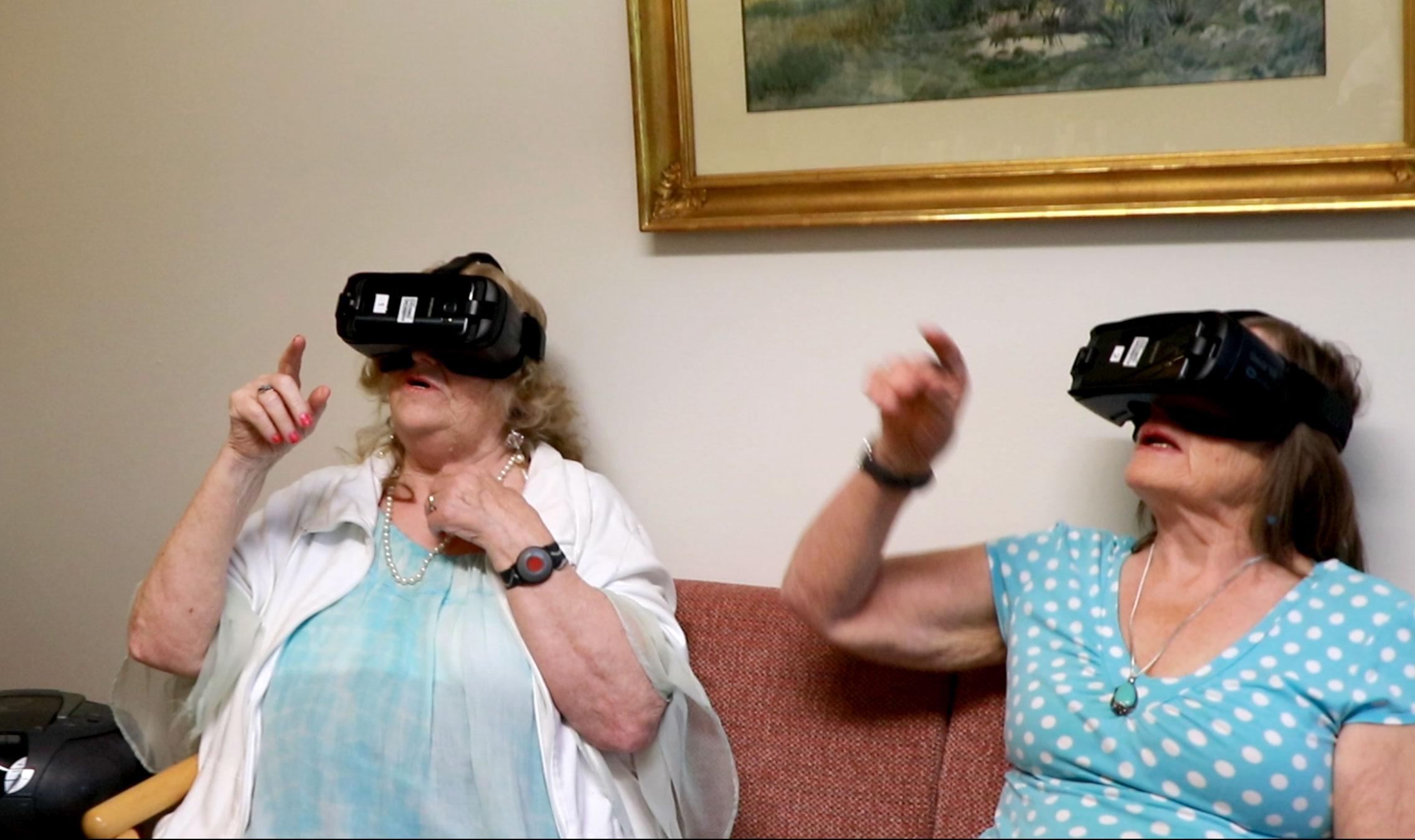 VR i äldreomsorgen Foto: Film Stockholm
